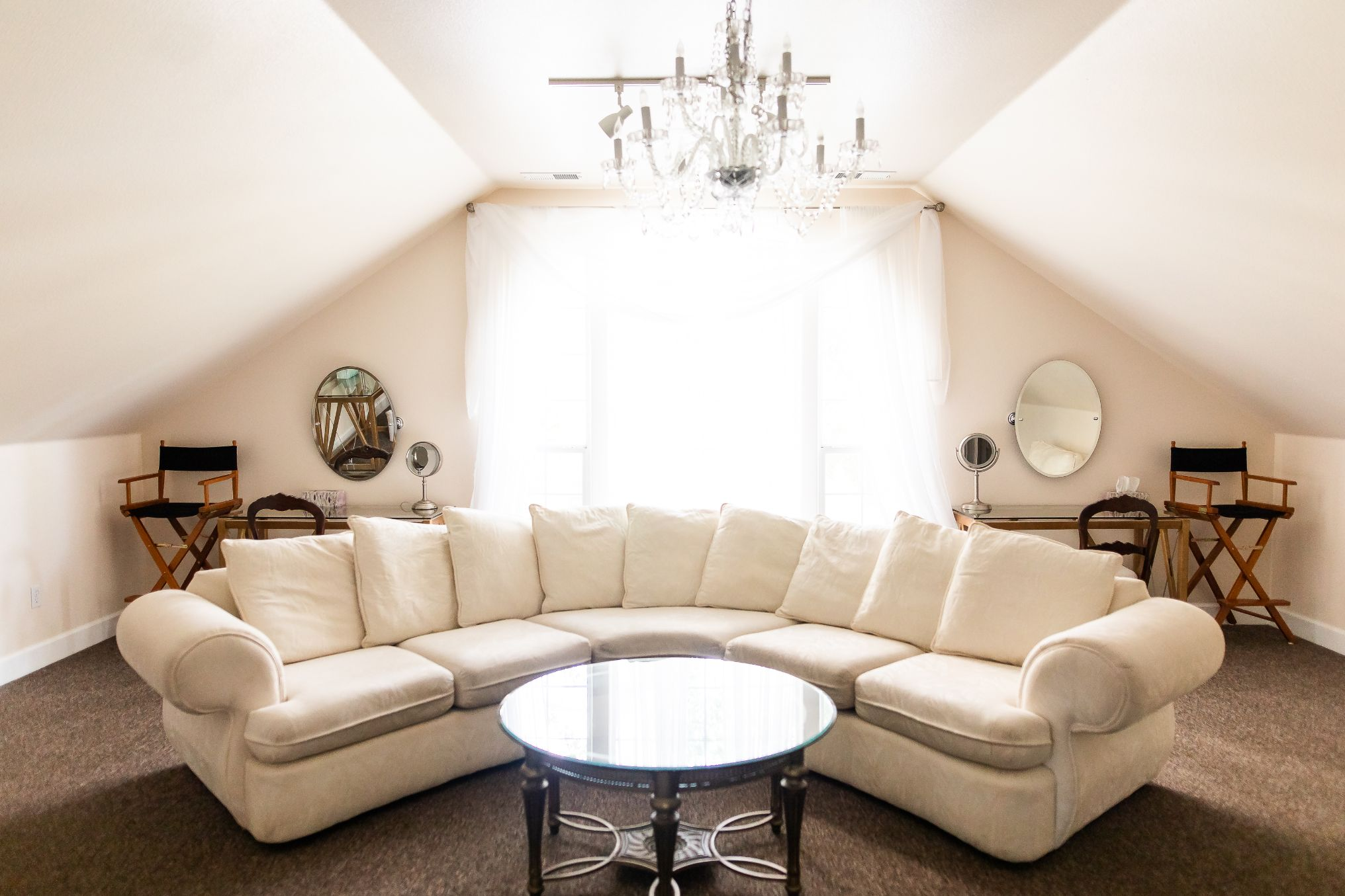 0000 oasis hangout bridal suite rustic mountain house estate wedding venues northern california