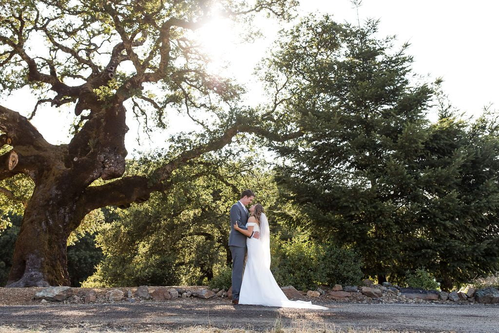 10 oak tree terrace rustic mountain house estate weddingi venues northern california