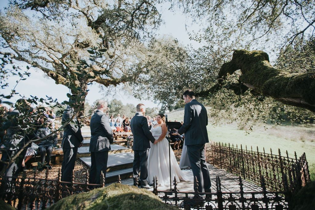 26 oak tree terrace rustic mountain house estate weddingi venues northern california