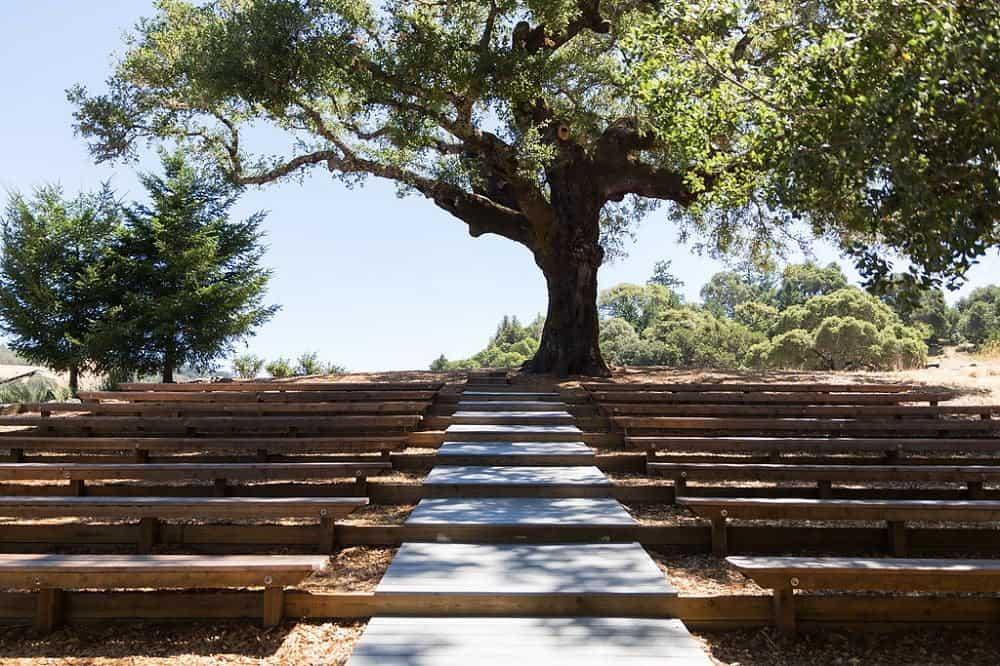 30 oak tree terrace rustic mountain house estate weddingi venues northern california