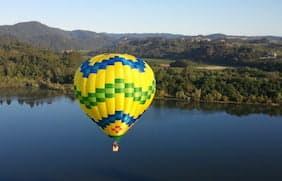 up away ballooning sonoma napa valley elopements